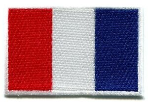 Flag-of-France-French-Tricolour-embroidered-applique-iron-on-patch-Small-S-98