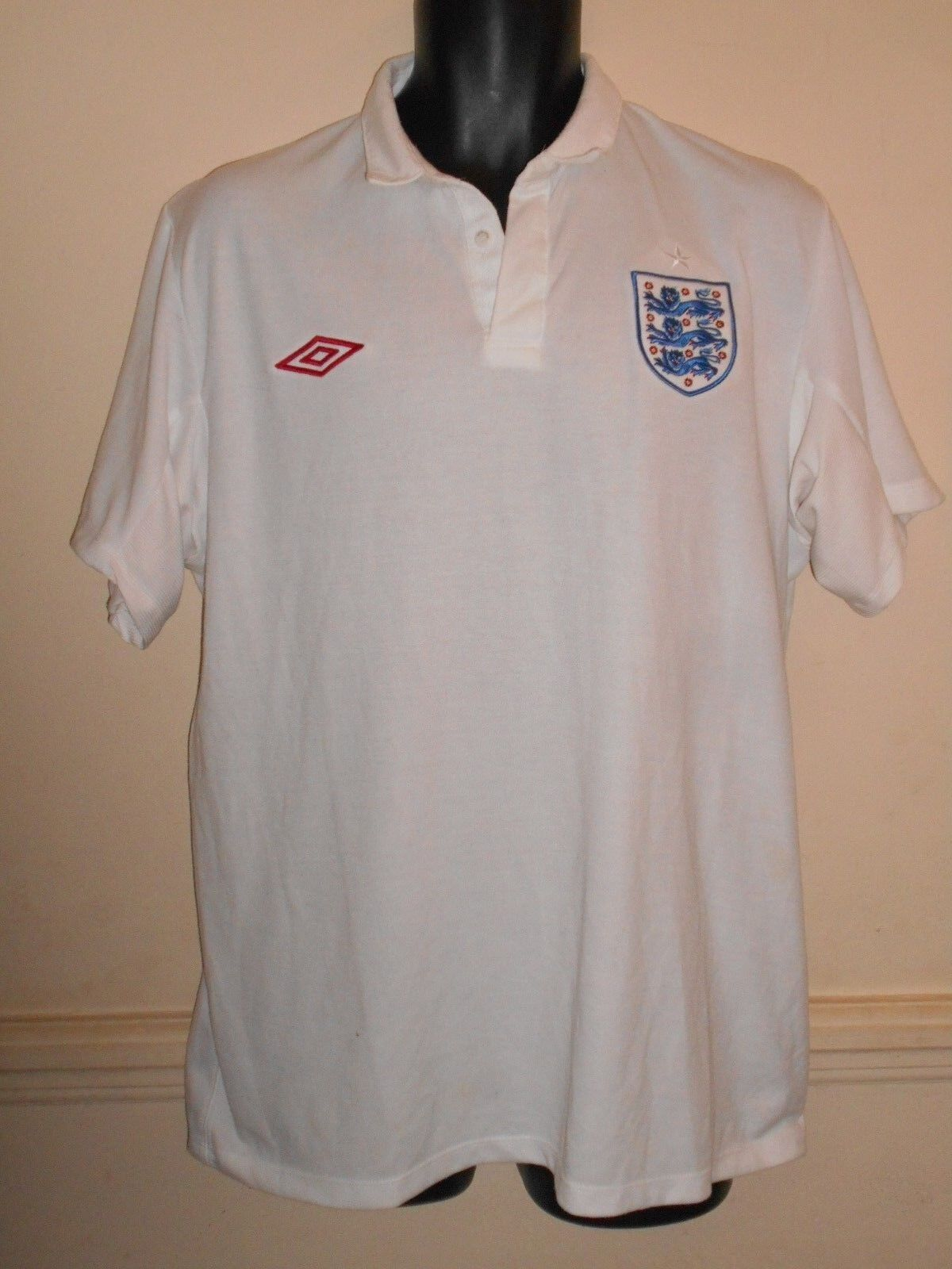 England Home Shirt World Cup 2010  xl men's Size 48 New Without Tags