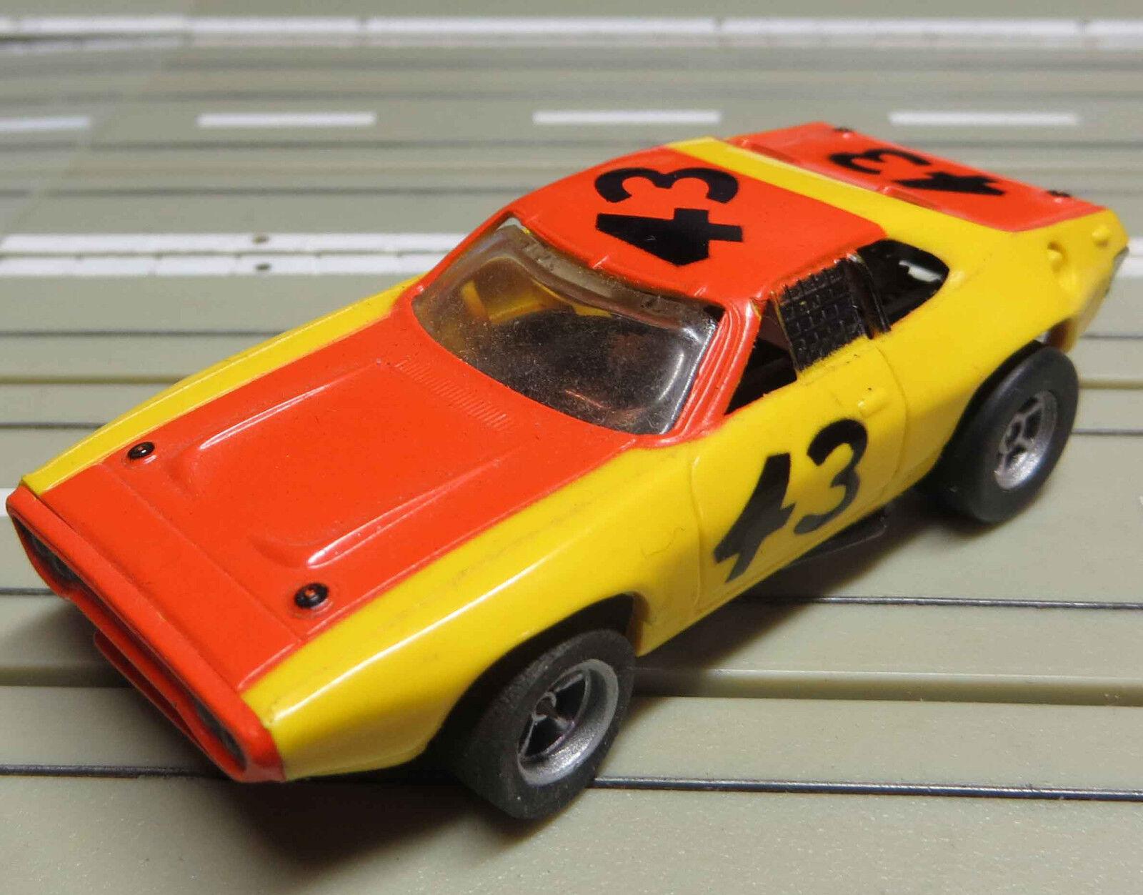 Für H0 Slotcar Racing Modellbahn --   Plymouth Roadrunner mit AFX Motor