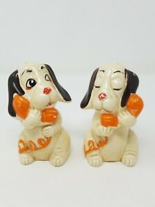 Vtg-Japan-dogs-talking-on-the-phone-salt-and-pepper-shakers-ceramic-mid-century