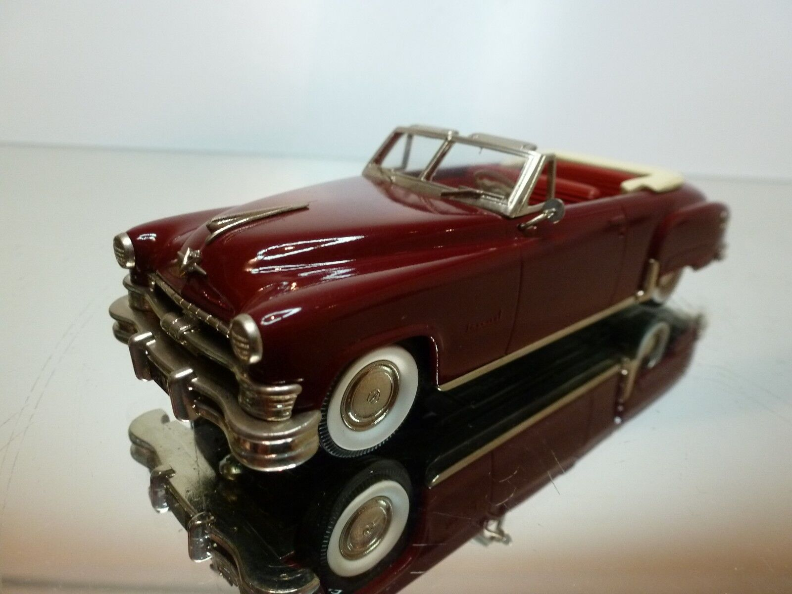 BROOKLIN MODELS CHRYSLER IMPERIAL-CONVERTIBLE 1951 - MAROON 1 43 - EXCELLENT - 6