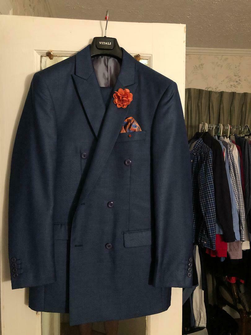 NEW Navy bluee Vatali Suit with Luxton Shirt & Tie 38R & 32 W with 15 12 Shirt