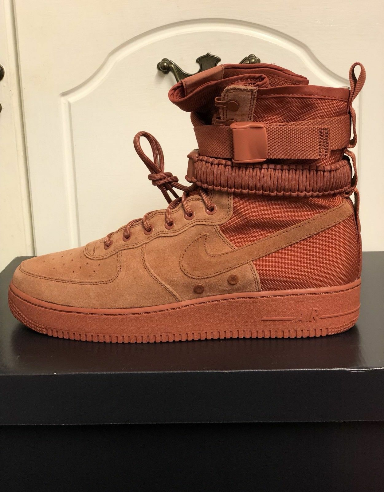 NIKE SF AF1 864024-204 DUSTY PEACH (CLAY rose) eur 42.5