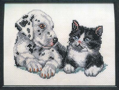 Stickpackung Stickbild sticken 15x20 Hund Katze Hündchen Kätzchen Cat Kitten