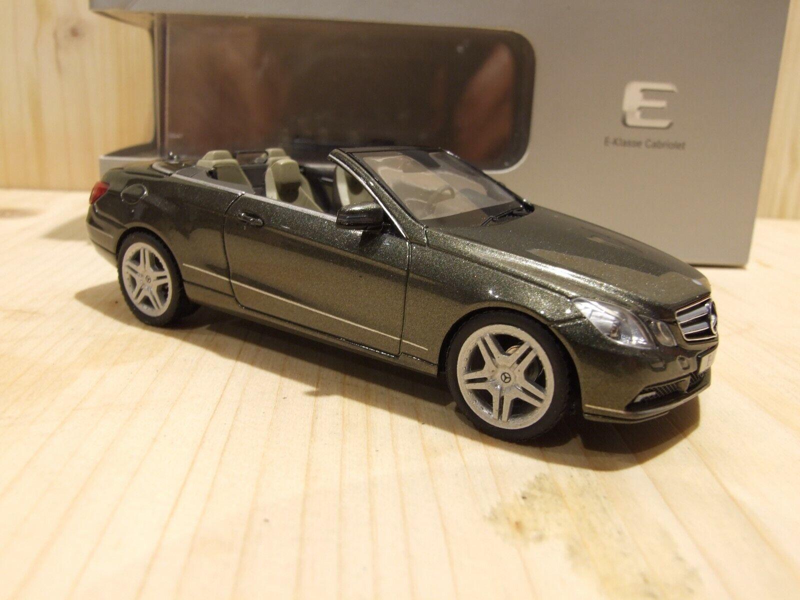 Mercedes-Benz e500, w212  cabriolet, 1 43, stannitgrismet. AMG-jantes discrèteHommest plus bas  haute qualité