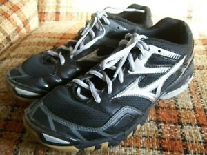 mizuno volleyball shoes for womens 9.5