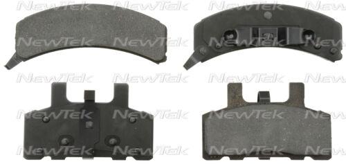 SMD369 FRONT Semi-Metallic Brake Pads Fits 92-99 Chevrolet C1500 Suburban