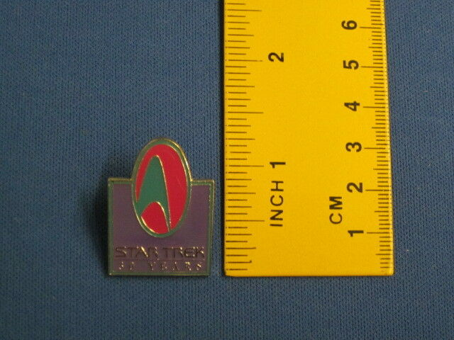 Star Trek 30th Anniversary Purple Design Pin Badge 30Y3