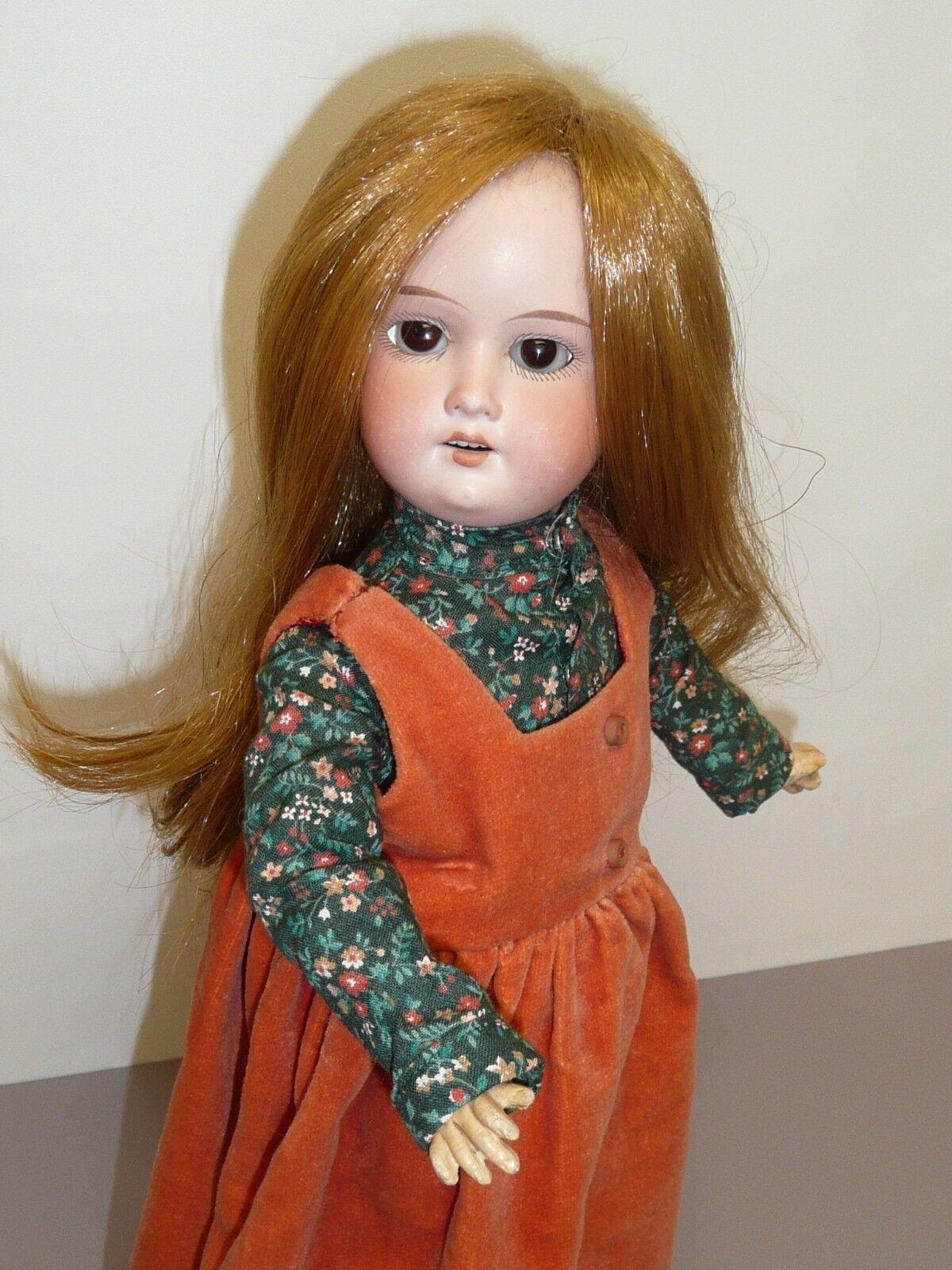 15.5  Antiguo A&M 390 alemán Muñeca con ojos marróns fijos, cuerpo articulado