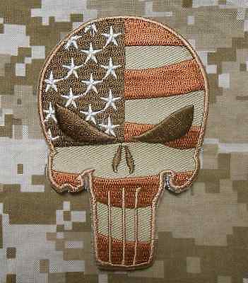 PUNISHER SKULL USA WAVING FLAG TACTICAL ARMY DESERT VELCRO® BRAND FASTENER PATCH