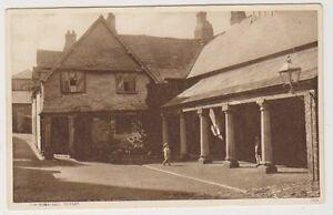 Devon-postcard-The-Guildhall-Totnes
