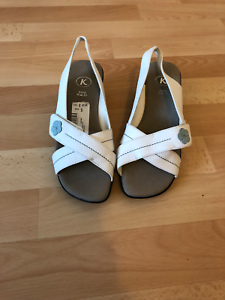 c872cd10ec0e Image is loading CLARKS-WOMENS-TEMPEST-WHITE-SANDALS-SIZE-7-EXTRA-