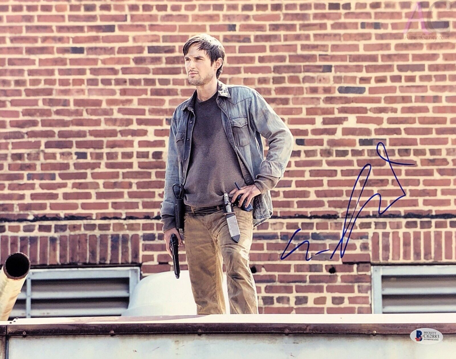 Andrew J. West Signed The Walking Dead 11x14 Photo Beckett BAS C62883