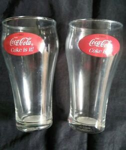 Collectable-Vintage-Set-of-Two-1982-Coca-Cola-Coke-Promotional-Drinks-Glass