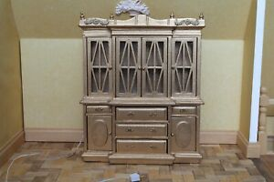 Dolls-house-miniature-1-12th-scale-working-gold-decorative-cabinet