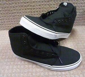 7f23f692a99e Vans Men s Shoes