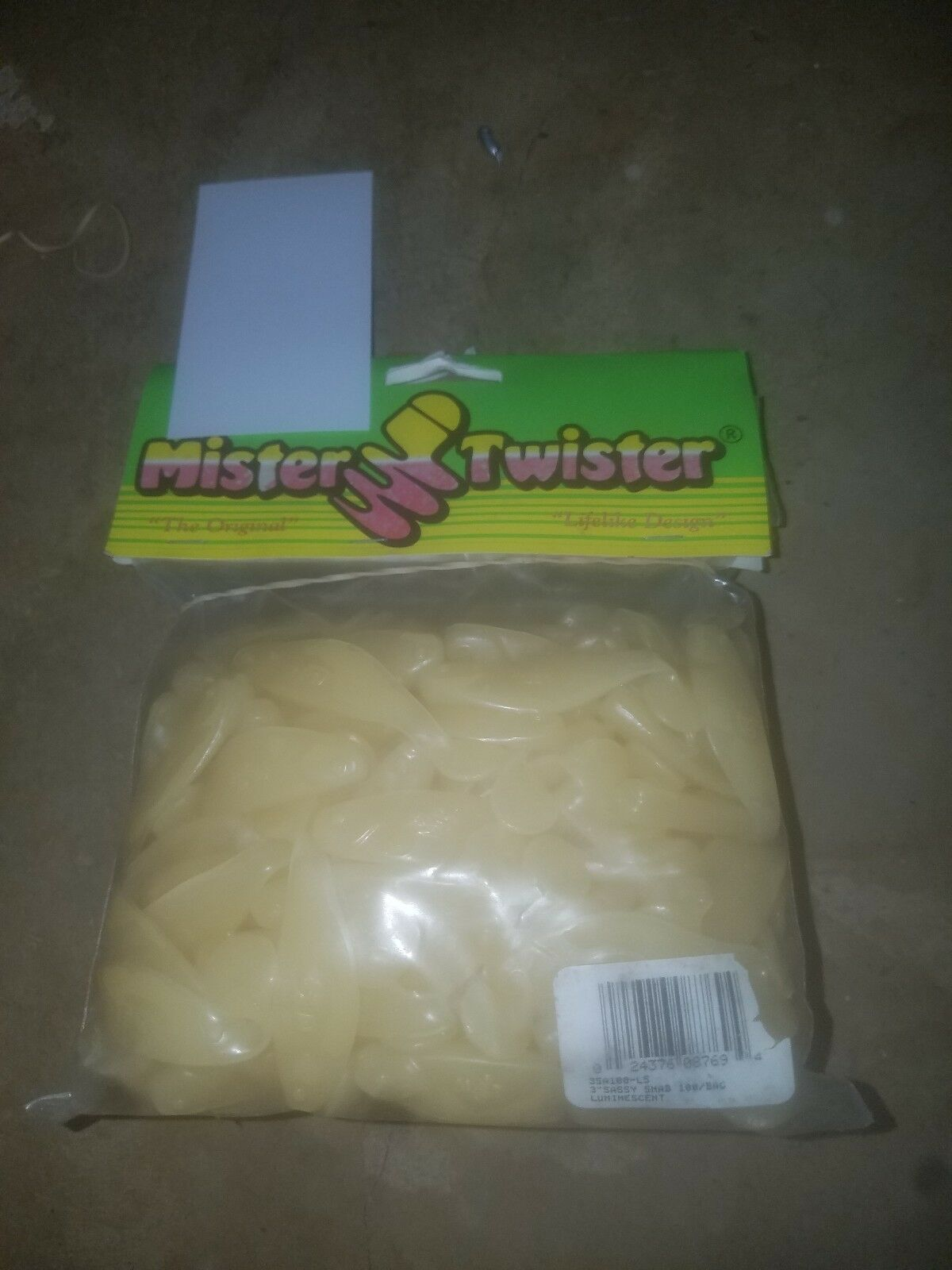 Lot 100 Count 3   Mister Twister Sassy Shad Luminescent