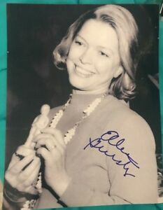 ELLEN-BURSTYN-SIGNED-8X10-PHOTO-OSCAR-WINNER-AWARD-LEGEND-W-COA-PROOF-RARE-WOW