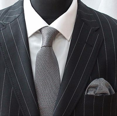 Tie Cravatta Con Fazzoletto Nero/grigio-mostra Il Titolo Originale Pacchetti Alla Moda E Attraenti