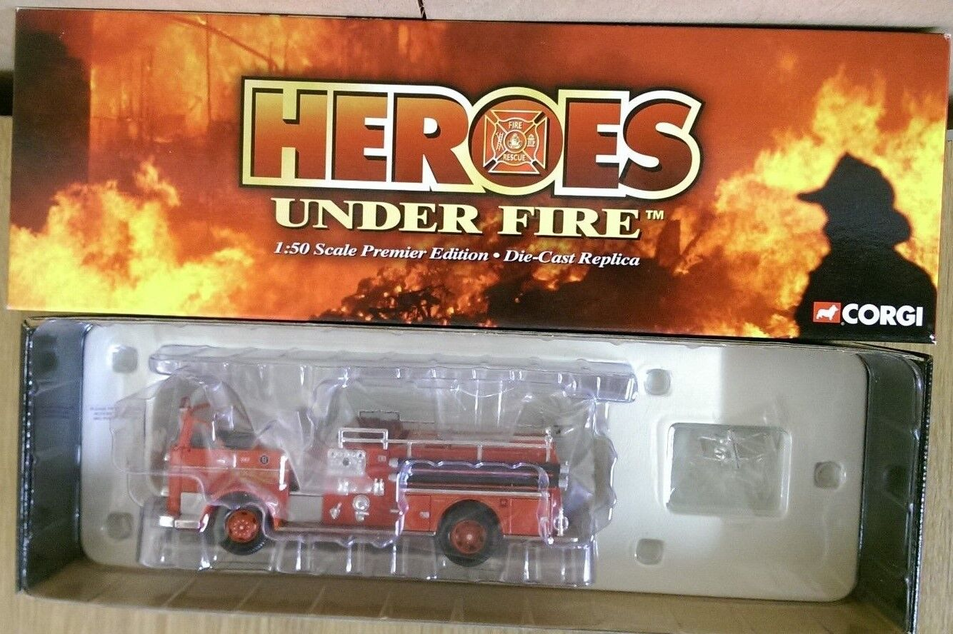 CORGI US50807 Seagrave K OPEN CAB PUMPER ENGINE No.9 Kansas City Mo
