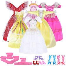 Set 5 Abiti Vestiti+5 Paia Scarpe+5 Attaccapanni Grucce per Barbie Bambola