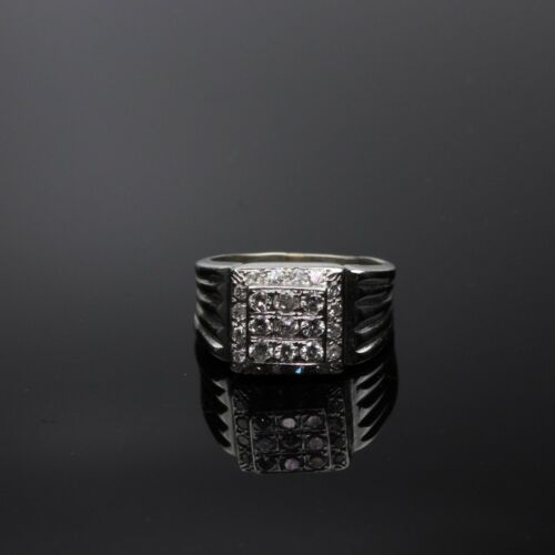 Vintage Estate 10K White Gold & Diamond Ring - Uni