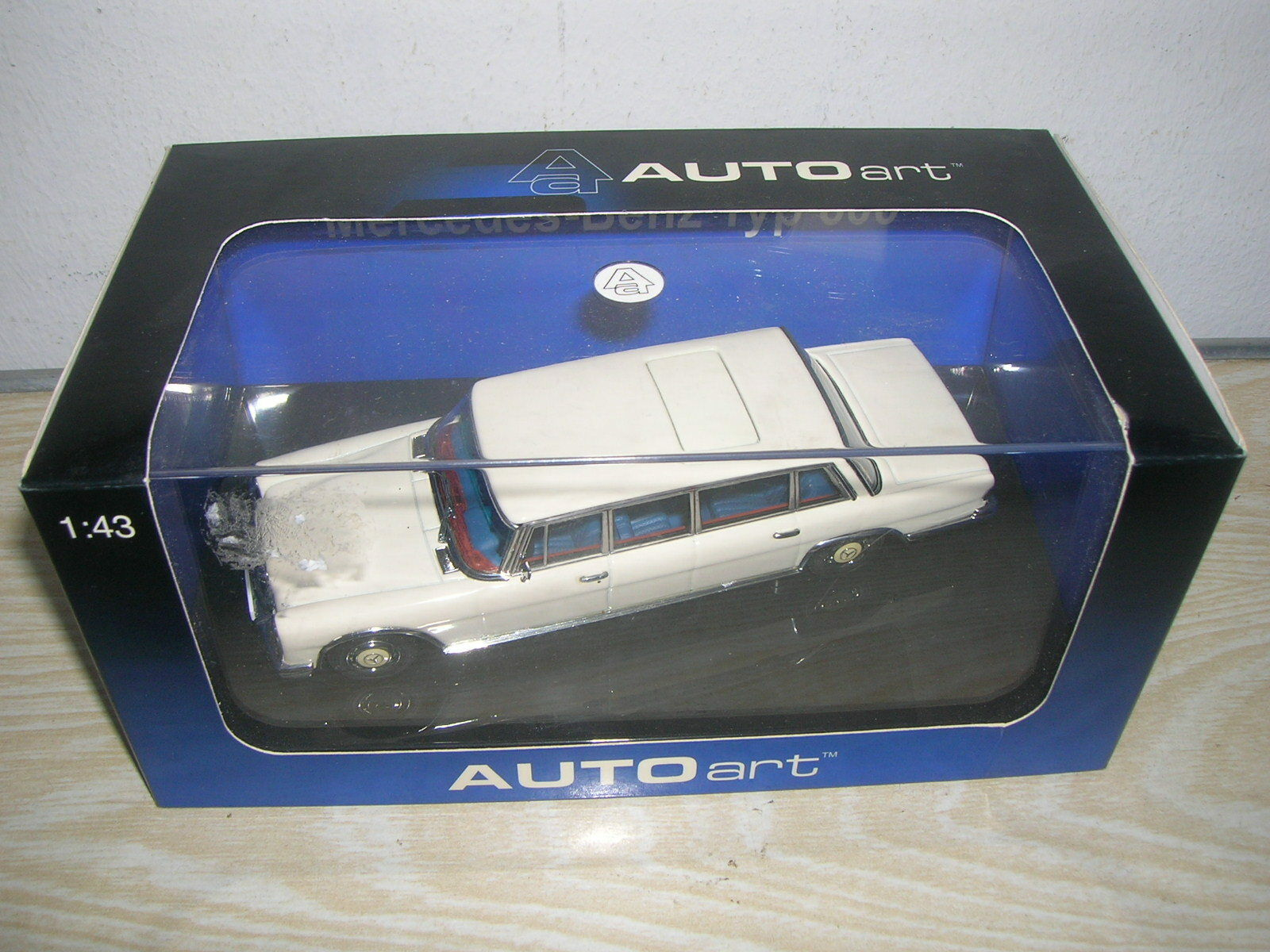 Autoart modelo 56198-Mercedes Type 600 LWB