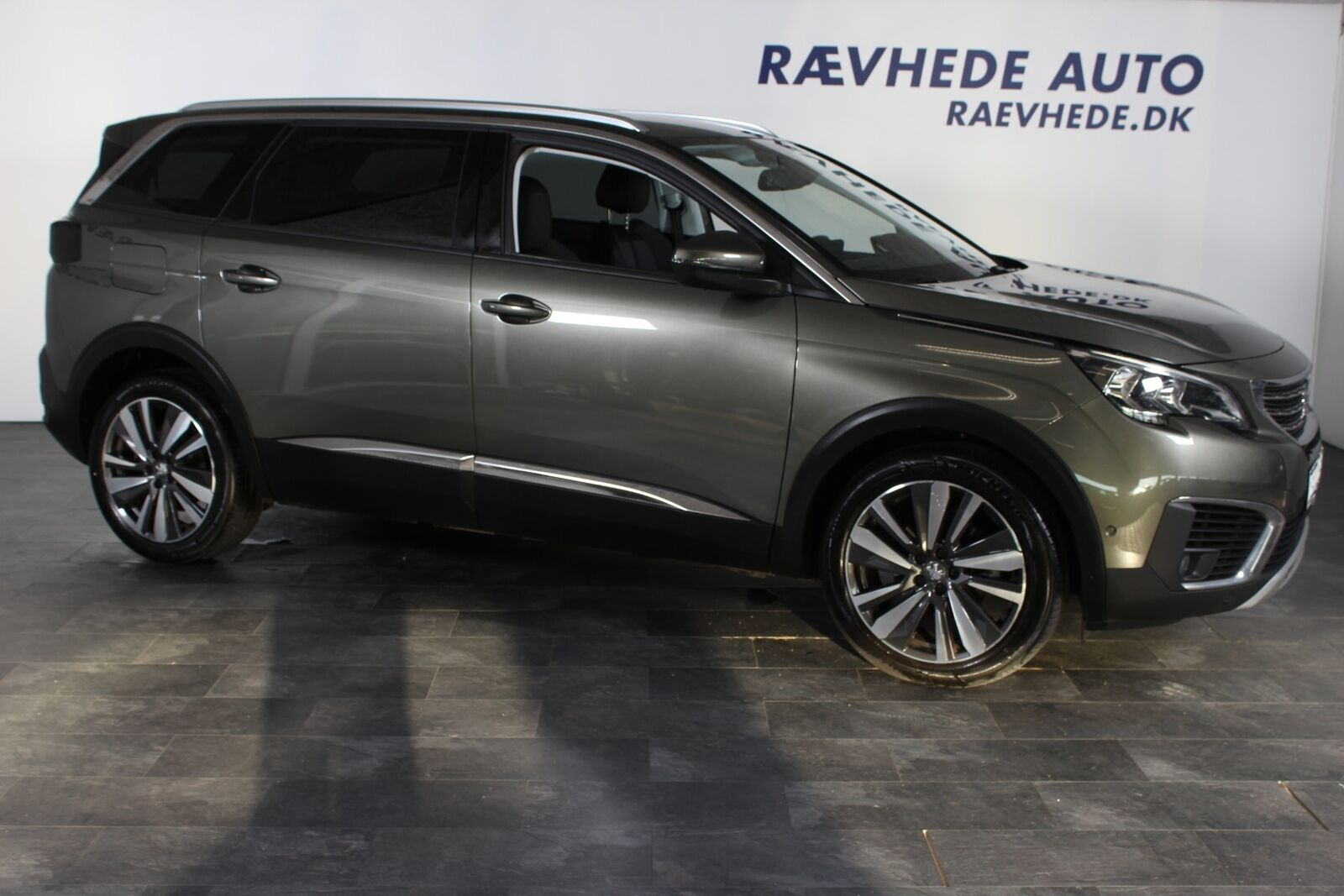 Peugeot 5008 1,5 BlueHDi 130 Allure LTD EAT8 5d - 359.900 kr.