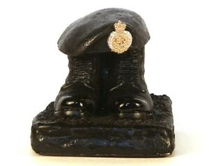 Royal-Engineers-boots-and-beret