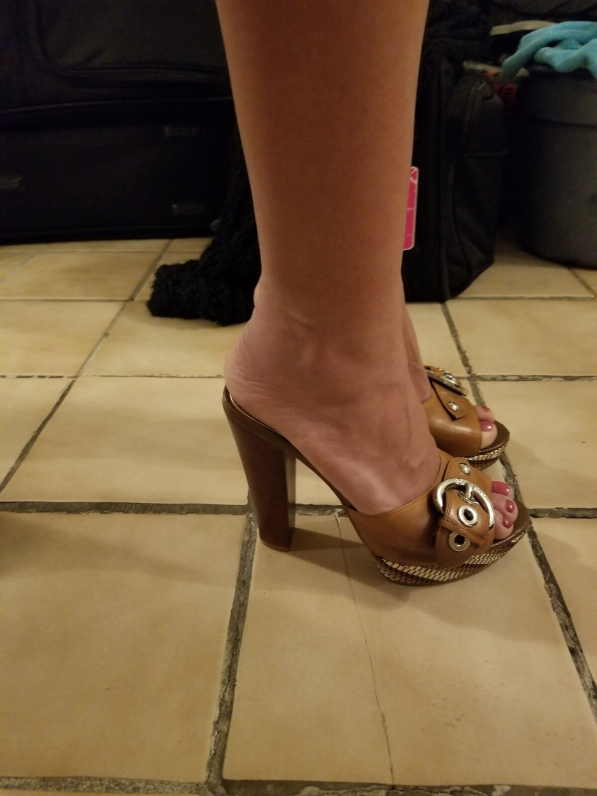 BCBG Sandals High Heels Slides Sexy Brown Tan Beige 7   37