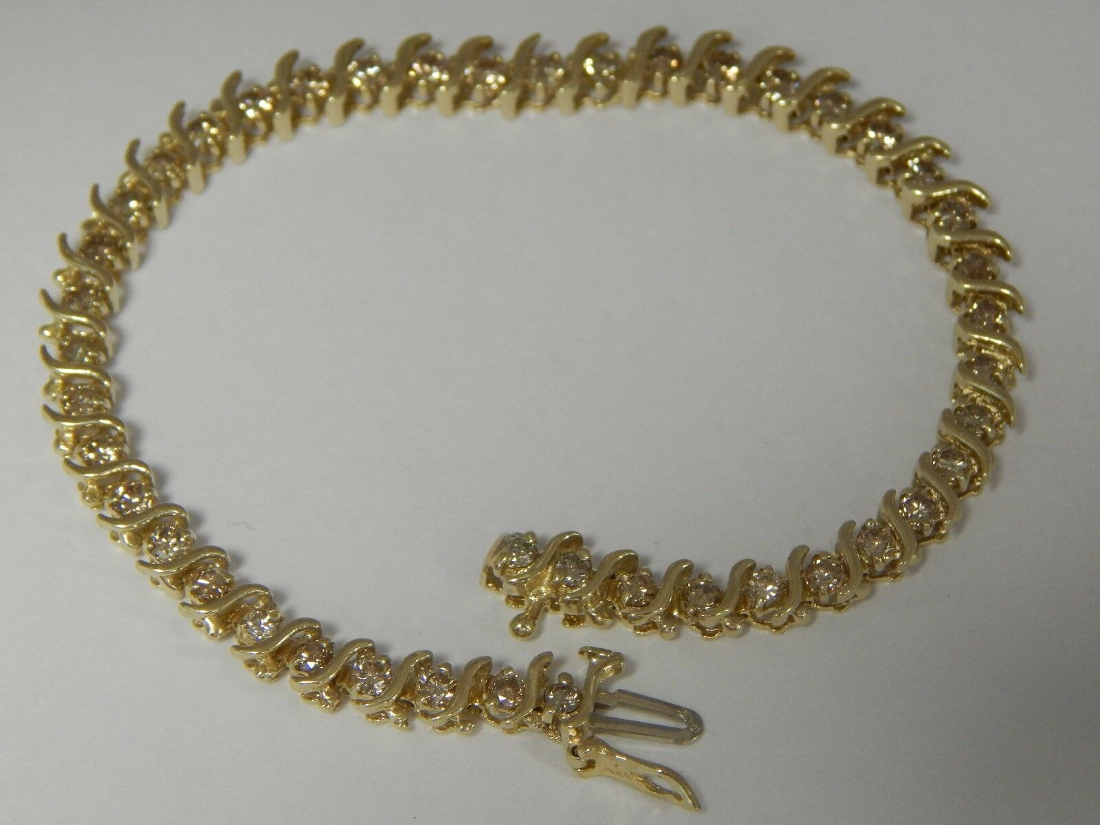 10 karat yellow gold 1.30cttw diamond 7  bracelet