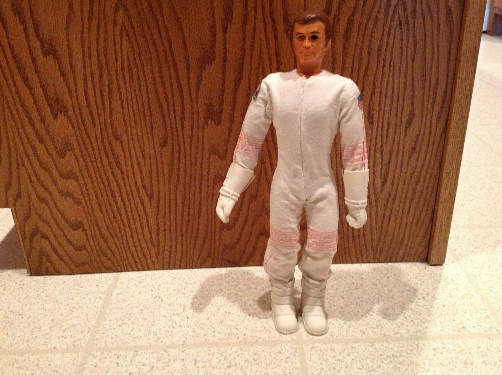 Six Million Dollar Man In Space Suit Outift Steve Austin Action Figure BionicMan
