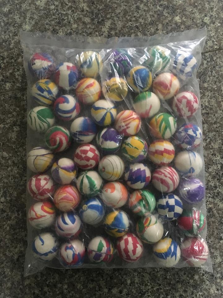 500 pcs grand jet 45 mm balls Bouncy Balls Sac Fête Vending Couleurs Mélangées