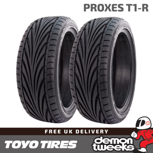 T1R Road//Track Day Tyres 2 x 235//45//17 R17 97Y XL Toyo Proxes T1-R 2354517