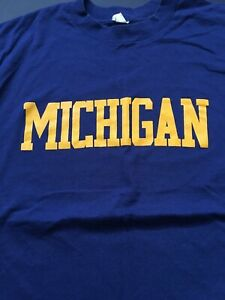 Vintage 80s College Football Um University Of Michigan T Shirt Navy And Yellow Ebay