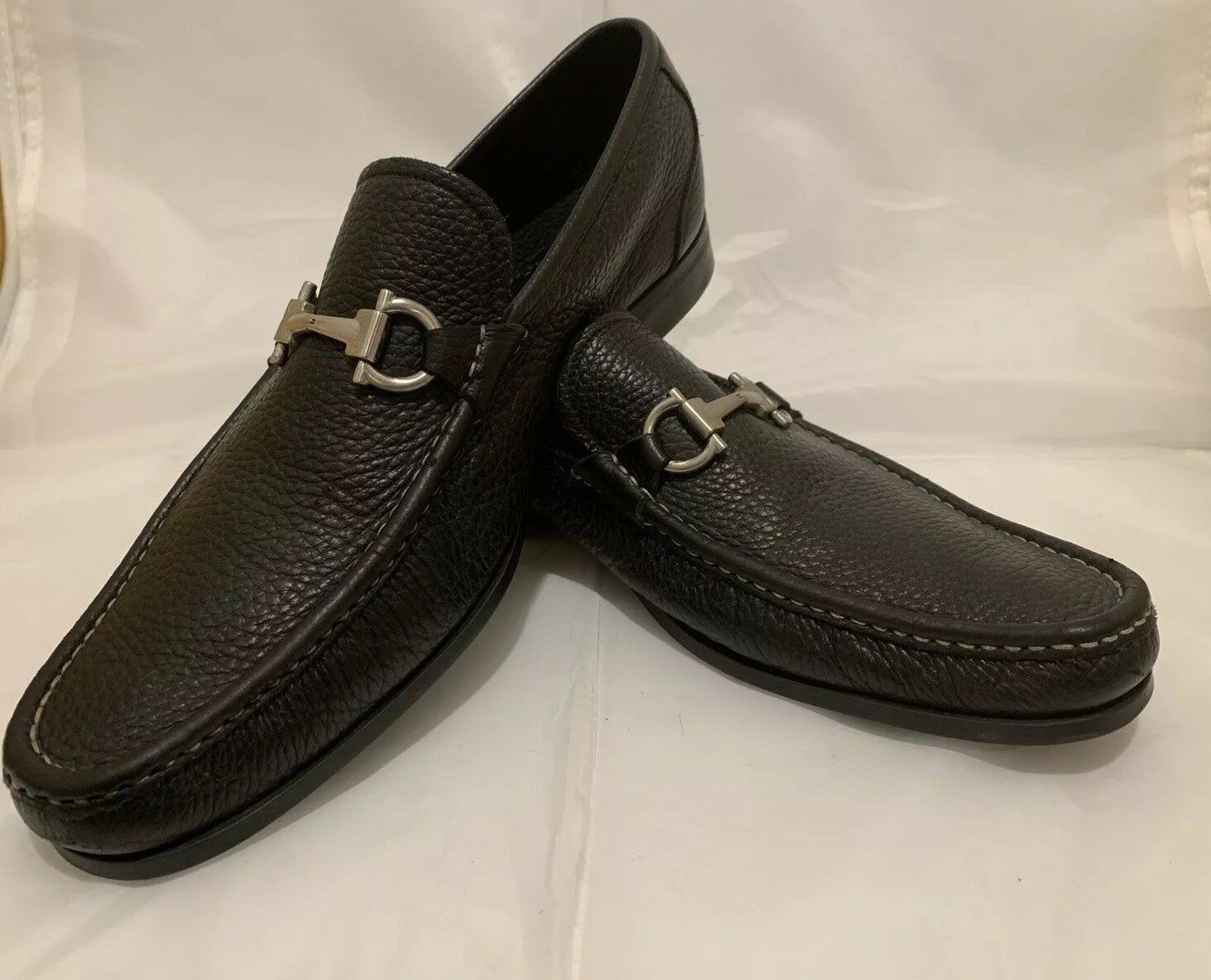 SALVATORE FERRAGAMO GRANDIOSO noir en cuir souple Mors de Cheval SZ10.5 usage unique