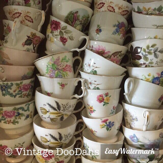 Job Lot 150 Pretty vintage tea cups-Idéal Pour Utilisation Dans les mariages