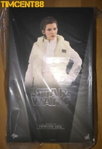 Hot-Toys-MMS423-Star-Wars-Empire-Strikes-Back-Hoth-Princess-Leia-Carrie-Fisher