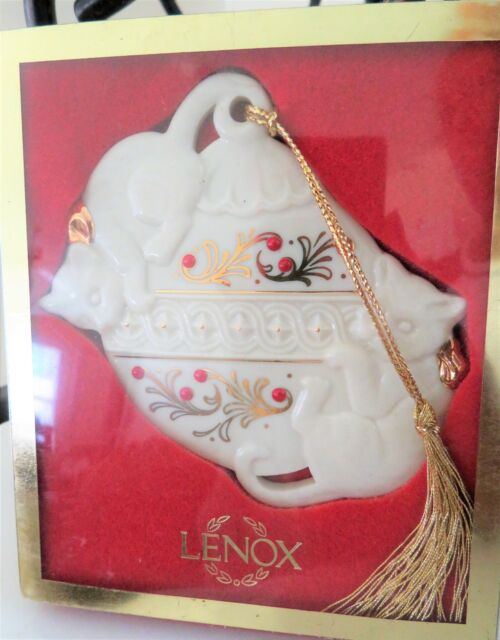ELEGANT Lenox Ivory and Gold Mischief Kittens Cats Porcelain Ornament Christmas