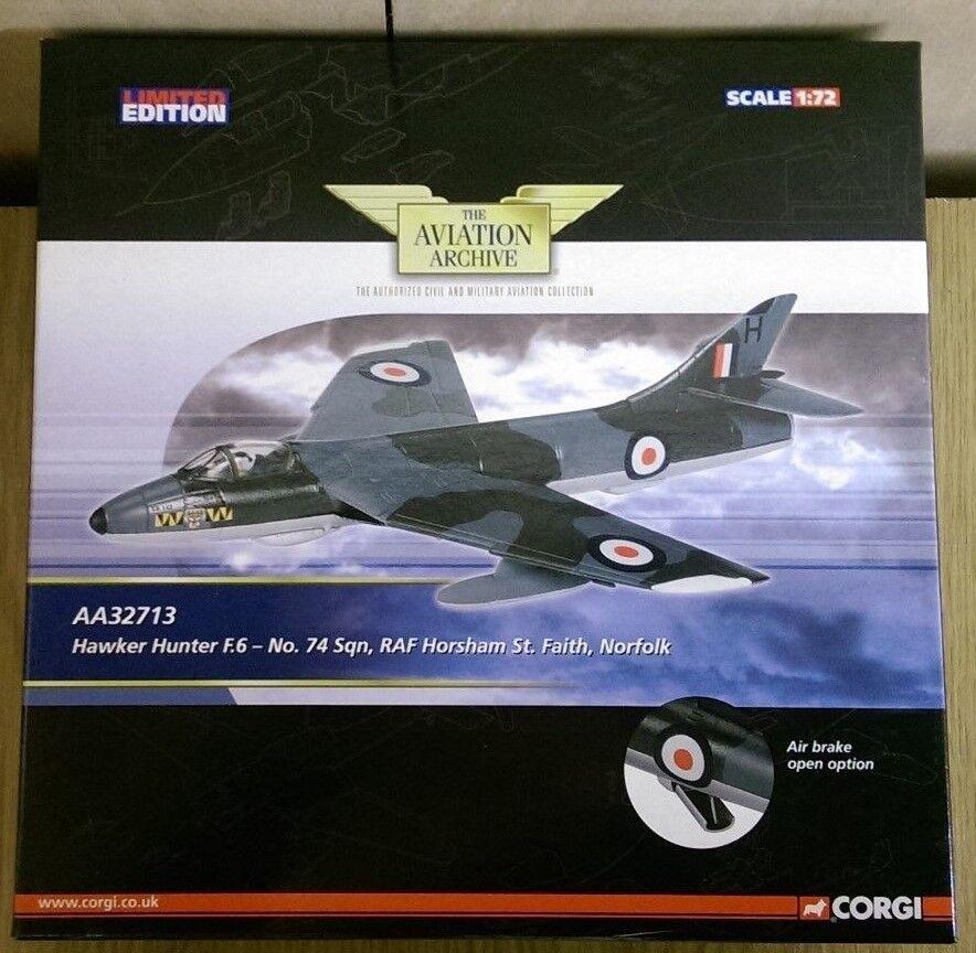 Corgi AA32713 Hawker Hunter F6 no 74 Sqn RAF Horsham St. Fe Muestra De Fábrica