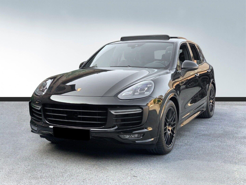 Porsche Cayenne GTS - Tiptr.