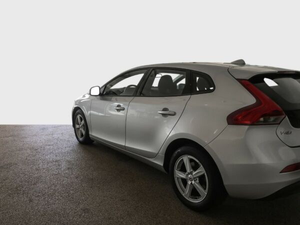 Volvo V40 2,0 T2 122 Kinetic Eco - billede 2