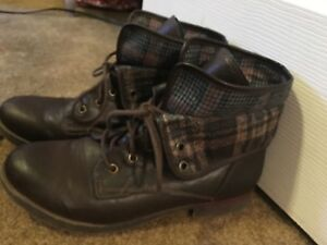 4062bf5cb75 Details about Women's Rock and Candy Spray Paint Fold Over Plaid Brown  Combat Boots Size 10