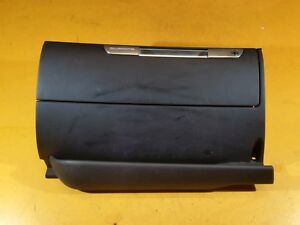 AUDI-TT-MK1-1-8T-039-03-QUATRO-BLACK-GLOVEBOX-STORAGE-COMPARTMENT-8N2857095