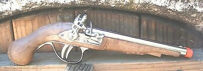 PIRATE Gun Made Gonher Pirate/'s Island Pirate of the Caribbean Dual Fire Toy
