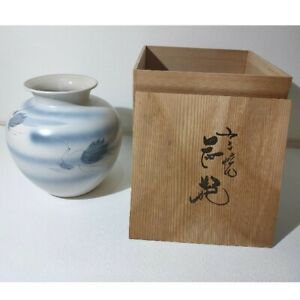 Japanese antique Kutani Ware White Blue Flower Vase Kado Sado TEA Bird crane