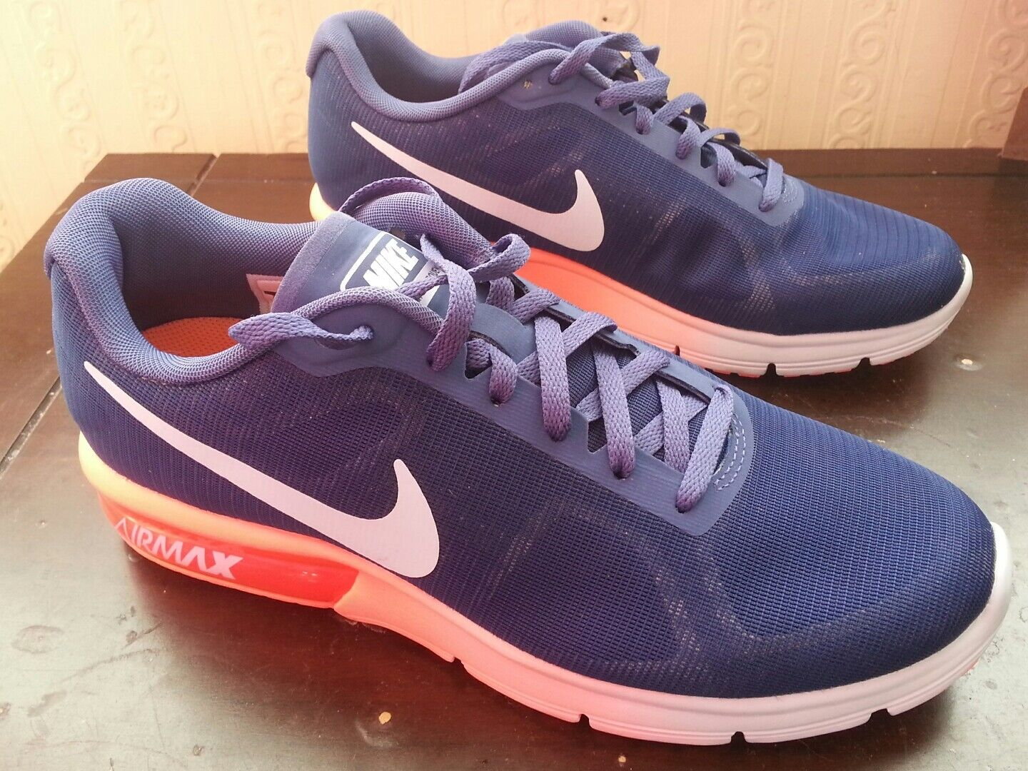 Worn twice trainersNIKE AIR MAX SEQUENT   size CM 24  come to choose your own sports style