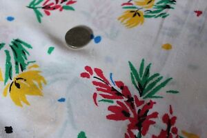 Remnant-Poly-Cotton-Floral-Fabric-2-50mts-x-112cm-R332