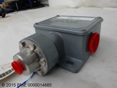 SOR CONTROL DEVICES PRESSURE SWITCH 2-25PSI NEW N44-K4-M2-CIA