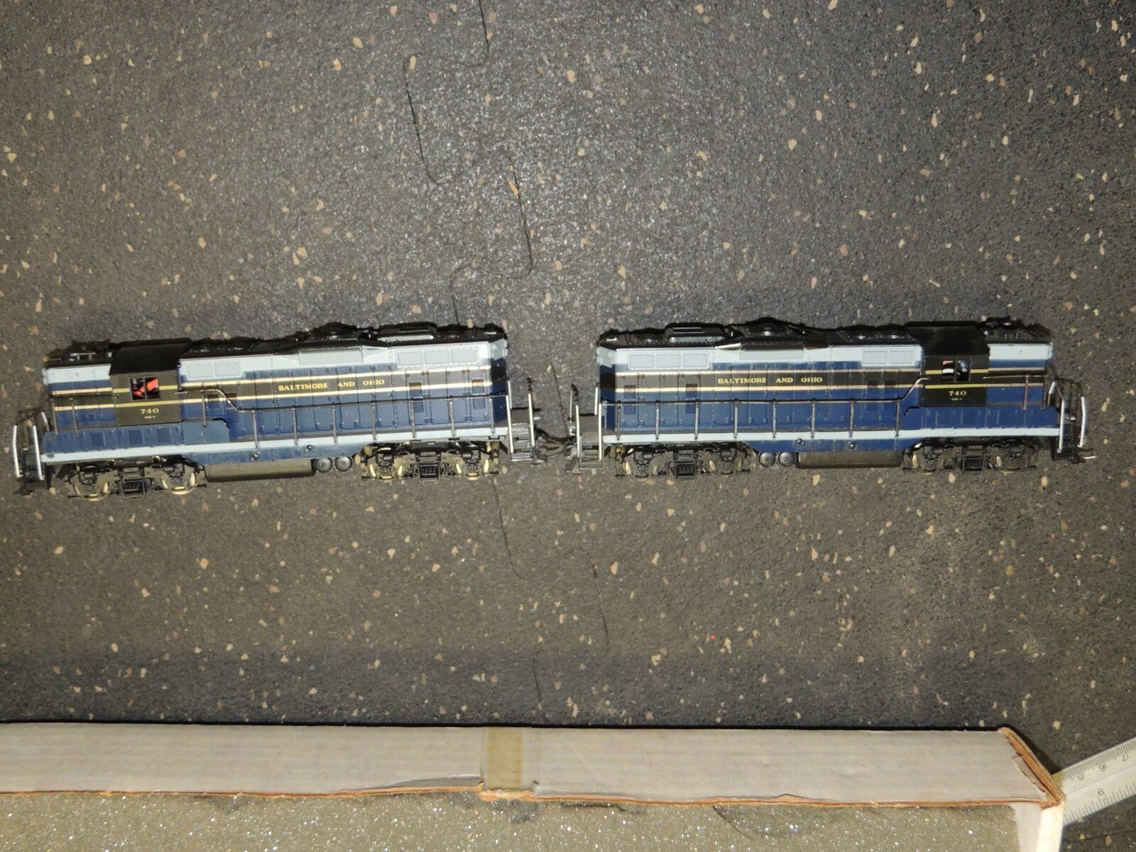 Set of 2 HO B&O GP9 740 Dual Powered Engines Locomotives